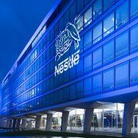 Nestlé erfolgreich beim Sparen